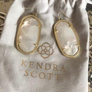 Kendra Scott Pearl Danielle Earrings